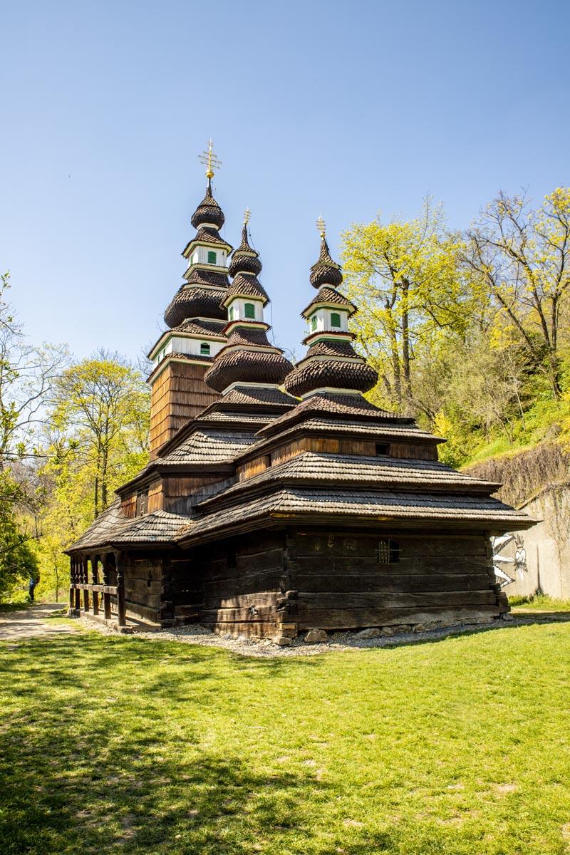 Fotografování krajiny - kostela svatého Michala v zahradě Kinských v Praze