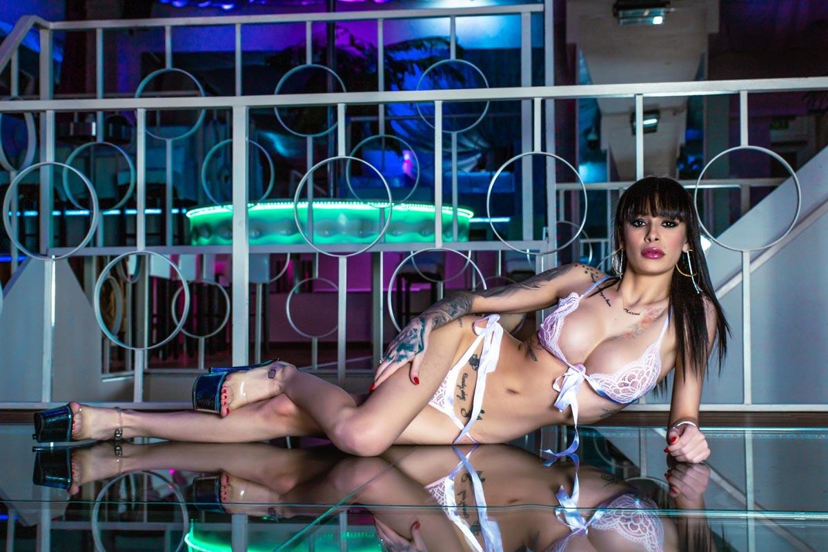 Glamour foto - Kleopatra ve spodním prádle